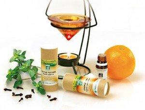 Les huiles essentielles des soins pour cheveux huiles_essentielles1-300x227